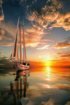 Beautiful Sunrise and Sunset amaze your eyes Landscape Photography, Nature Photography, Sailboat Painting, Boat Art, Beautiful Sunrise, Belle Photo, Beautiful Landscapes, Beautiful World, Sailing