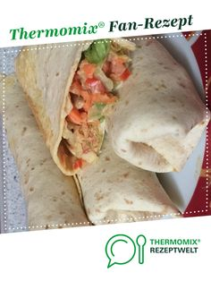 Turkey and vegetable wrap by A Thermomix ® recipe from the main course with meat category at www.de, the Thermomix ® Community. Turkey vegetable wrap Wiebke Bluwatsch wbluwatsch Thermomix Turkey and vegetable wrap by Turkey Recipes, Meat Recipes, Crockpot Recipes, Dinner Recipes, Pizza Recipes, Healthy Snacks, Healthy Recipes, Le Diner, Southern Recipes
