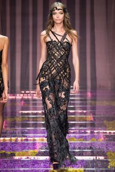 Atelier Versace Fall 2015 Couture - Collection - Gallery - Style.com. Model: Mina Cvetkovic