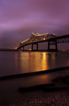 This is the I-10 bridge over the Mississippi River, Baton Rouge