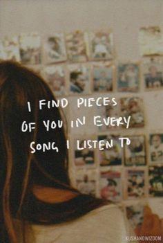 Cuando estás tan enamorada que cada canción te hace pensar en él. - 30 Frases de Amor para mi Novio: Originales y Tiernas