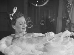 7 reasons you should take a bubble bath right now!
