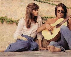 Jacques Dutronc & Françoise Hardy are couple goals.They've been married 37 years. Charlotte Rampling, Jane Birkin, Claudia Schiffer, Alexa Chung, Twiggy, Bianca Jagger, Bardot, Audrey Hepburn, Life Is Beautiful