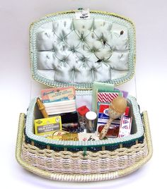 Large Vintage JC Penneys Sewing Basket Box Filled with Notions, Supplies, Sock… Sewing Box, Sewing Notions, Sewing Kits, Sewing Tools, Needle Case, Needle Book, Sewing Baskets, Wicker Baskets, Doilies