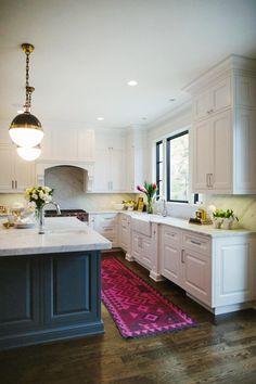 White Kitchen // Traditional Detailing