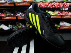Harga sepatu futsal adidas freefootball X-ITE TD lebih terjangkau. hanya  Rp.499.000 77d665aeb0
