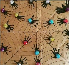 handprint spider craft | Crafts and Worksheets for Preschool,Toddler and Kindergarten #ParentsKids&Parenst