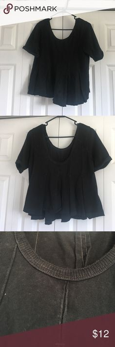 Free People Peplum Top! Bought from another posher and never worn! Super cute and great quality.  -all offers are considered! -trades are considered! -ask me any questions -i ship asap! usually next day.  i am looking to clear my closet out asap so if you have questions, wanna see something on, or wanna make an offer please do! i want to transform my closet before college and that includes getting rid of all the clothes I don't / no longer wear. thanks for stopping by! Free People Tops