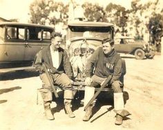 1925 - Lou Gehrig and Babe Ruth at Bolsa Chica Gun Club in Huntington Beach, California Babe Ruth, Damn Yankees, New York Yankees, Sport Park, Lou Gehrig, Willie Mays, Draw On Photos, Sports Figures, Sports Photos