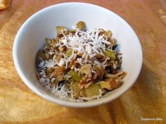 Cardamom Bliss: It's not your mamma's cooking: Apple and Ginger Oatmeal