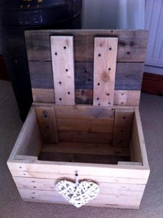 Pallet Chest or Storage Box, toy box for kids -- 40+ Dreamy Pallet Ideas to Reuse old Pallets | 99 Pallets - Part 2