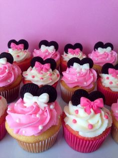 Cupcakes for Mila! - Minnie Mouse Cupcake for childs birthday. Vanilla cake with vanilla buttercream, fondant bows, pink pearls and chocolate wafers for ears. Minnie Mouse Theme, Minnie Mouse Baby Shower, Disney Parties, Mouse Parties, Buttercream Fondant, Vanilla Buttercream, Vanilla Cake, Chocolate Wafers, Chocolate Mouse