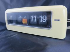 Copal 707 Flip Clock, Zahlendreher, Vintage, COOL 70er Jahren XXL Bilder Desk Clock, Flip Clock, Retro Clock, Vintage Clocks, Digital Clocks, Gadgets, Cool Stuff, Simple, Classic