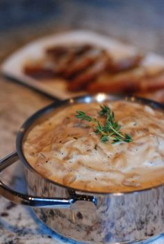 French Onion Soup Dip with Gruyere Crostini Appetizer Dips, Yummy Appetizers, Appetizer Recipes, Dip Recipes, French Onion Dip, Great Recipes, Favorite Recipes, Onion Soup, Soups And Stews