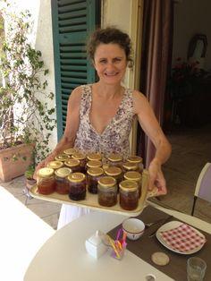 Après les crêpes de Jean-Yves, voici les dizaines de pots de confiture de Nadine. Quel bonheur !