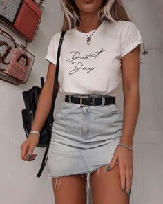 beautiful summer outfits Find the most beautiful outfits for your summer look.Summer outfit by simple summer outfits college ideas . Fall Fashion Outfits, Mode Outfits, 90s Fashion, Summer Outfits, Korean Fashion, Runway Fashion, Fashion Ideas, Classy Teen Fashion, Skater Fashion