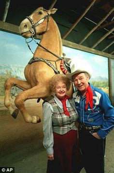 Roy Rogers with his wife Dale Evans in front of stuffed Trigger in 1984