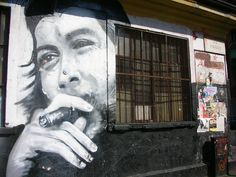 """Aqui se queda...  Aqui se queda la clara la entranable transparencia de tu querida presencia Comandante Che Guevara. Hasta Siempre Comandante Che Guevara Carlos Puebla  Ripostata il 9 settembre 2017 per ricordare a cinquant'anni dalla morte """"el guerrillero heroico"""" come lo ha definito Alberto Korda nel celebre scatto che lo ha reso un'icona. www.arthistoryarchive.com/arthistory/photography/images/A...  """"Che Guevara, tu y todos"""" A 50 anni dalla morte di Ernes"""