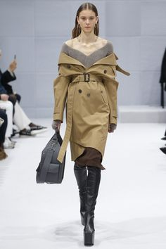 Демна Гвасалия показал дебютную коллекцию Balenciaga