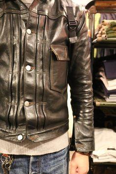 Dapper Gentleman, Gentleman Style, Burberry Men, Gucci Men, Men's Leather Jacket, Leather Jackets, Look Street Style, Casual Outfits, Men Casual
