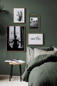 groene muur slaapkamer - Google Zoeken Bedroom Inspo, Home Bedroom, Master Bedroom, Bedroom Decor, Green Rooms, Bedroom Green, Bedroom Colors, Green Bedroom Design, New Wall