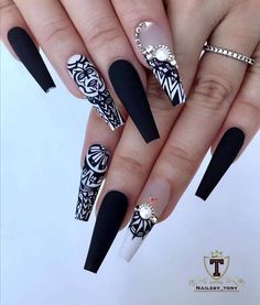 Elegant Rhinestones Coffin Nails Designs Amazing work done by homie 😍💅✨ Virginia class (Tyson corner) October What are you waiting for? only few week left , Dm… Bling Nails, Swag Nails, Stiletto Nails, Coffin Nails, Great Nails, Cute Nails, Acrylic Nail Designs, Nail Art Designs, Wedding Acrylic Nails