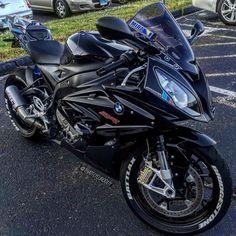 Bike Nations - Fails, Crash, Cops vs Bikers and much more! Motorcycle Cover, Suzuki Motorcycle, Bmw Motorcycles, Motorcycle Gear, Bmw Motors, Custom Sport Bikes, Biker Gear, Bmw S1000rr, Speed Bike