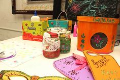 Frascos, cajas y decoraciones
