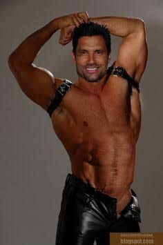 This Manu Bennett! The most manly of men! Hunks Men, Hot Hunks, Hairy Men, Bearded Men, Manu Bennett, Turn Photo Into Painting, Hommes Sexy, Male Body, Gorgeous Men