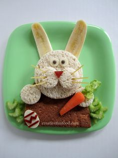 Creative Food: Easter Bunny Lunch and over 20 Creative Easter Food and Craft Ideas! Creative Food: E Easter Recipes, Holiday Recipes, Uk Recipes, Drink Recipes, Dessert Recipes, Cute Food, Good Food, Funny Food, Kreative Snacks