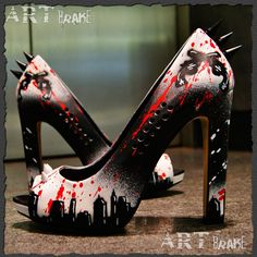 Sin City High Heels mit Killernieten von ArtBrake