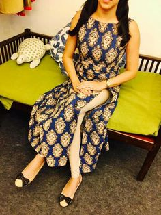 Kalamkari Designs, Churidar Designs, Kurti Neck Designs, Dress Neck Designs, Blouse Designs, Indian Attire, Indian Wear, Indian Dresses, Indian Outfits