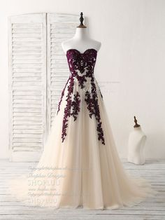 A-line sweetheart tulle lace applique burgundy long prom dress, bridesmaid dress Source by fancy dresses Green Homecoming Dresses, Blue Evening Dresses, Prom Dresses 2018, Bridesmaid Dresses, Beaded Chiffon, Tulle Lace, Dress Lace, White Chiffon, Beautiful Prom Dresses