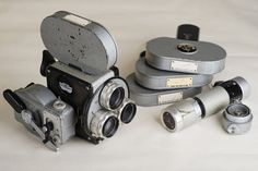 VINTAGE CAMERA / 16mm Movie Camera Pentaflex 16, c. 1960 Pentacon, Dresden