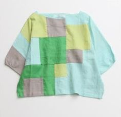 Love this patchwork top! Little Girl Fashion, Kids Fashion, Fashion Outfits, Girls Run The World, Japanese Sewing, Sewing For Kids, Sewing Clothes, Refashion, Clothing Patterns