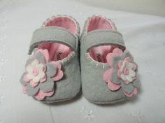 I think I could make these, maybe.  Not sure they would be small enough for a baby shower gift though.