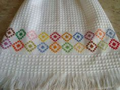 1 million+ Stunning Free Images to Use Anywhere Embroidery Stitches, Hand Embroidery, Machine Embroidery, Cross Stitch Borders, Crochet Borders, Swedish Embroidery, Monks Cloth, Swedish Weaving, Free To Use Images