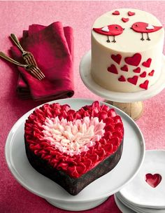 Pretty Valentine's Day cakes