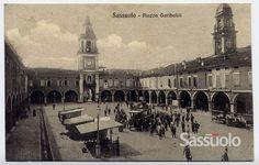 Da Sassuolo, provincia di Modena, ci è appena arrivato un interno album di Cartoline d'Epoca, dai primi del '900 al dopoguerra! Nella foto: Piazza Garibaldi via @VisitSassuolo.It
