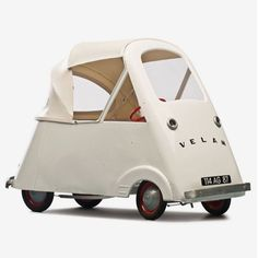 Velam, Child's Pedal Car, A steel version of the famous French bubble c… Velam, Tretauto für Kinder, Jahre. Microcar, Pedal Cars, Small Cars, Retro, Supercars, Vintage Cars, Little Ones, Cool Cars, Kids Toys