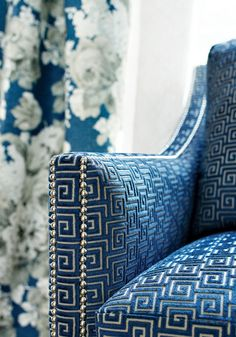 Meander Bringing Beautiful Classic Decoration Patterns into Modern Interiors Classic meander chair upholstery fabric in blue. Meander is an ancient decoration pattern that dates to ca. 900 – 700 BC and focuses on geometrical symmetry. Upholstery Fabric For Chairs, Chair Fabric, Upholstered Chairs, Curtain Fabric, Decor Interior Design, Furniture Design, Interior Decorating, Luxury Furniture, White Furniture
