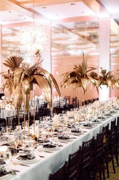 High Contrast Modern Parker Palm Springs Wedding - RO & Co. Gold Centerpieces, Tall Centerpiece, Boho Chic, Parker Palm Springs, Gatsby Party, Party Party, Party Time, Spring Hairstyles, Wedding Advice