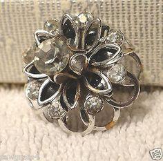 Brooch Rhinestones metal flowers