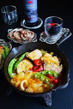 スキレットで簡単!週末家バルタパス イベリコ豚と新玉ねぎのオイル煮 赤ワインにあうーっ 新玉ねぎ入りで花粉症予防込みで♪|レシピブログ