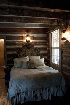 Romantic cabin bedroom - Bedrooms For Girls Log Cabin Living, Log Cabin Homes, Log Cabins, How To Build A Log Cabin, Cabin In The Woods, Cabin Interiors, Rustic Interiors, Cabins And Cottages, Cozy Cabin