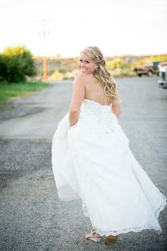 Corset back wedding dress #alllace #summerwedding #outdoorwedding #fitandflare