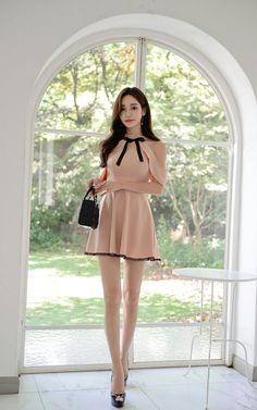Beautiful Asian Women, Beautiful Legs, Beautiful Models, Beautiful Dresses, Korean Fashion Dress, Fashion Dresses, Korean Beauty, Asian Beauty, Skinny People