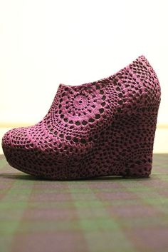 Cover your shoes with crocheted doilies - such a great idea! Kathy G--this one's for you. Would be a great addition to your fabulous shoe collection!