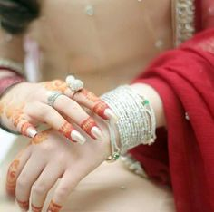 """Find and save images from the """"dpz"""" collection by SpYpRiNcEsS on We Heart It, your everyday app to get lost in what you love. Fb Girls, Dps For Girls, Girls Hand, Dpz For Fb, Girls Dp Stylish, Profile Picture For Girls, Desi Bride, Stylish Dpz, Asian Bridal"""