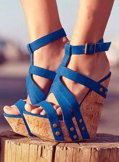 Blue Strappy Rivet Fasten Wedge Heel Sandals ~ 30 Ultra Trendy Wedge Sandals On The Street - Style Estate -